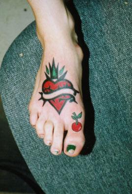 dolphin heart tattoo designs tattoos for men. Black Bedroom Furniture Sets. Home Design Ideas