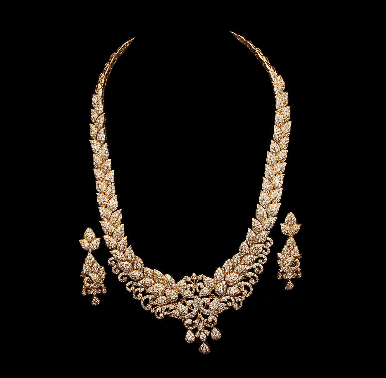Perfect Indian Diamond Necklace Set Designs 1320 x 1291 · 283 kB · jpeg