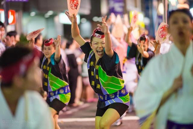 初台阿波おどり、朱雀連の女性の男踊り
