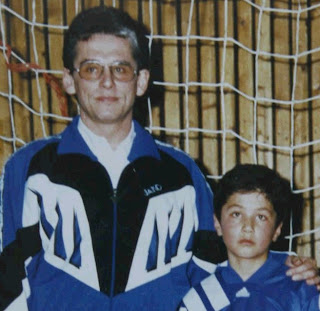 Nuri Sahin with RSV Meinerzhagen jersey. Six years old.