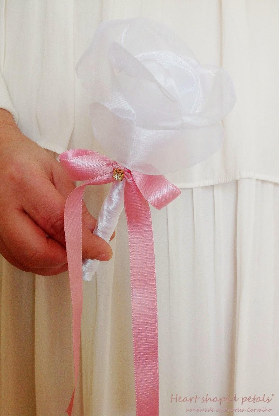 Organza rose wedding favor