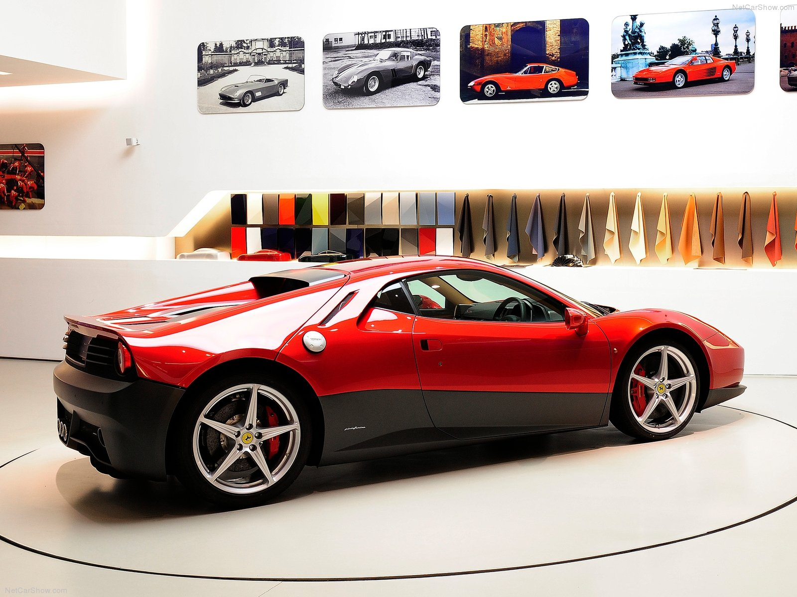 Hình ảnh siêu xe Ferrari SP12 EC 2012 & nội ngoại thất