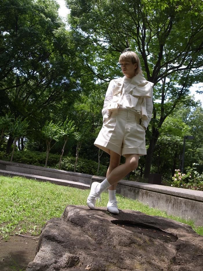 Vest : COMME des GARÇONS (2013SS) Shirts : COMME des GARÇONS COMME des GARÇONS Pants : COMME des GARÇONS (2013SS) Socks : Muji Shoes : Muji