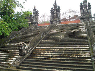 Staircase with dragon -shaped handrail - Imperial Tomb Khai Dinh