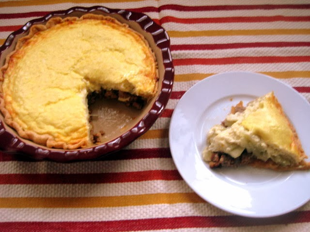 Sweet and Savory Shenanigans: Apple and Sausage Pie