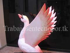 Trabajo en Tecnopor Escultura de Cisne Rosa en 3D