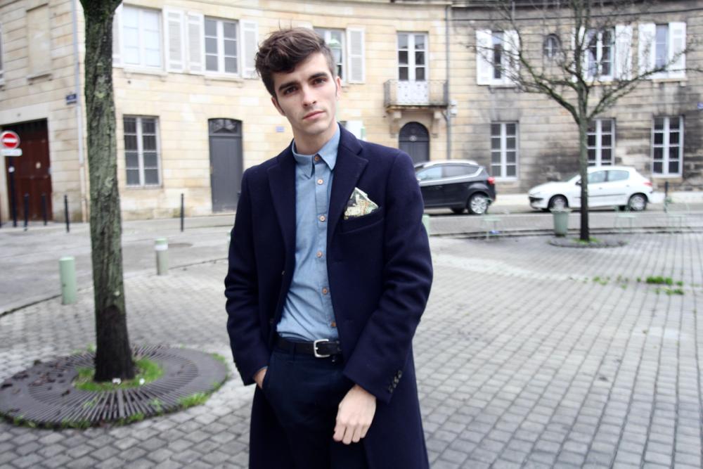 BLOG-MODE-HOMME_STYLE_Bonne-gueule-chemise-chambray-acne-coat-silk-churchs-leyton-skinny-zip-jeans-bordeaux-paris-blogueur-mec-streetstyle