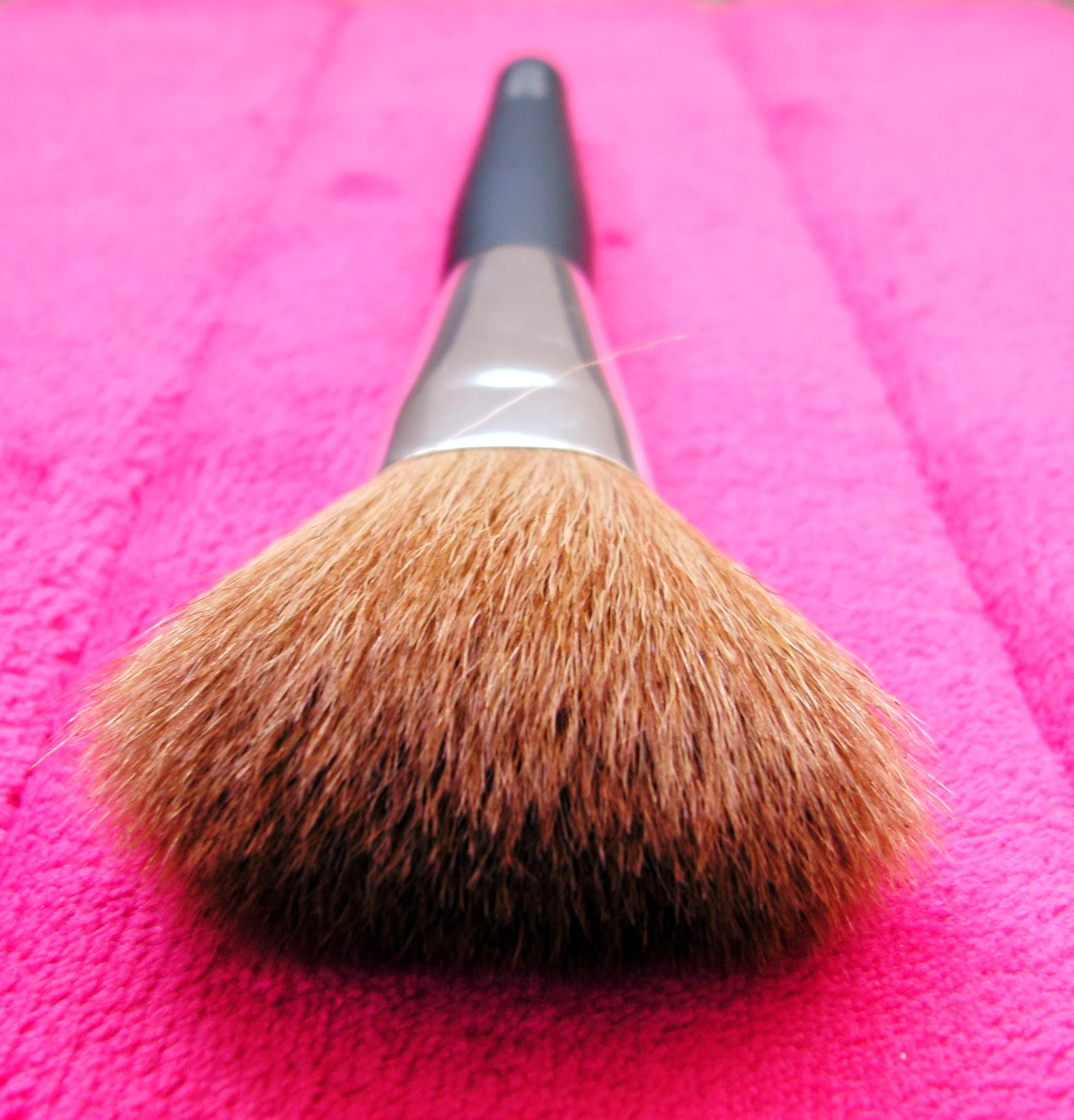 Bargain Barbara Daly Powder Makeup Brush from Tesco