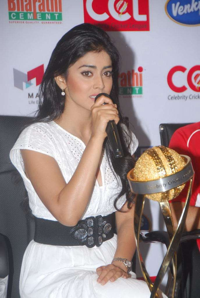 Hot Shriya Saran at CCL Trophy Launch
