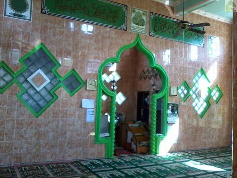 dalam masjid Langgar Khazinatul Ulum