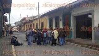 Habitantes de Piedra Labrada retienen a Subsecretario de la SIOP y otros funcionarios