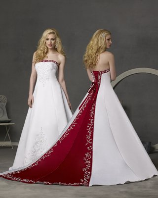 Plus size wedding dresses with color celebrity beauty for Colored wedding dresses plus size