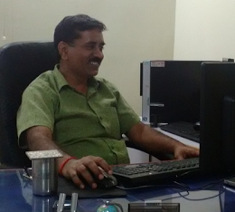 श्री सुदेश कुमार दीक्षित, प्रभारी 'दर्पण'  कलेक्ट्रेट हरदोई