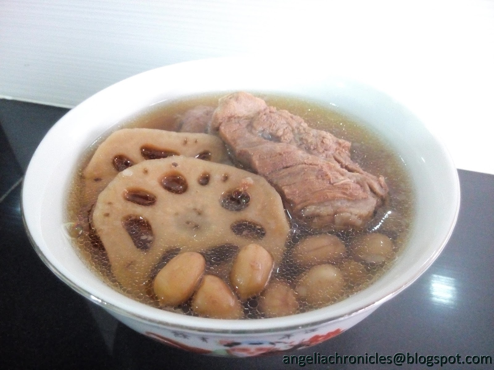 Angelia Chronicles: Lotus Root Soup (莲藕汤)