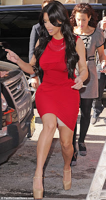 Kardashian Exposed on Secret Weapon  Kim Kardashian Exposed A Pair Of Her Favourite Spanx