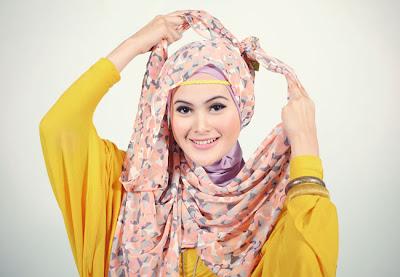 Cara Memakai Jilbab Pashmina Sifon Untuk Lebaran