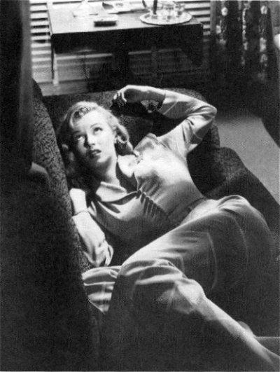 Citaten Marilyn Monroe Itu : Old new charm what s is again fashion flashback