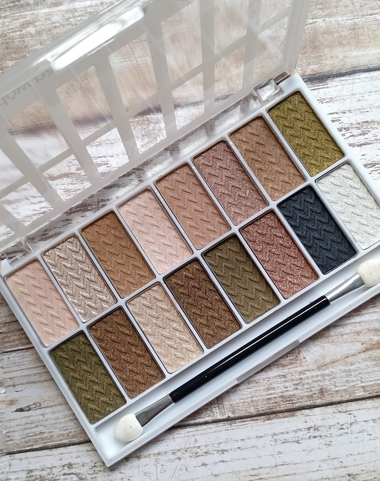 L.A. Colors 16 Color Eyeshadow Palette Review & Swatches | The ...