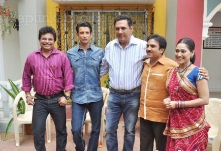 Ferrari Ki Sawari star cast on the sets of Taarak Mehta Ka
