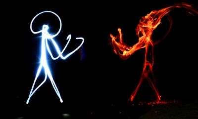 foto pertarungan setan infrared vs malaikat ultraviolet