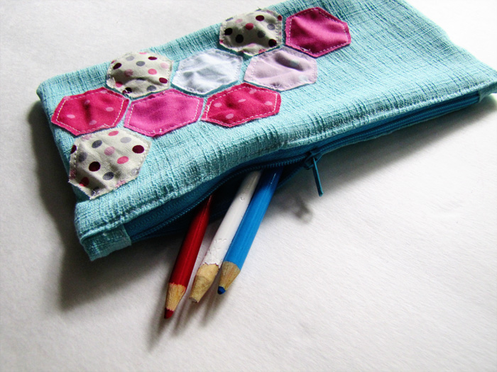 mama says sew: Zippered Pencil Case Tutorial