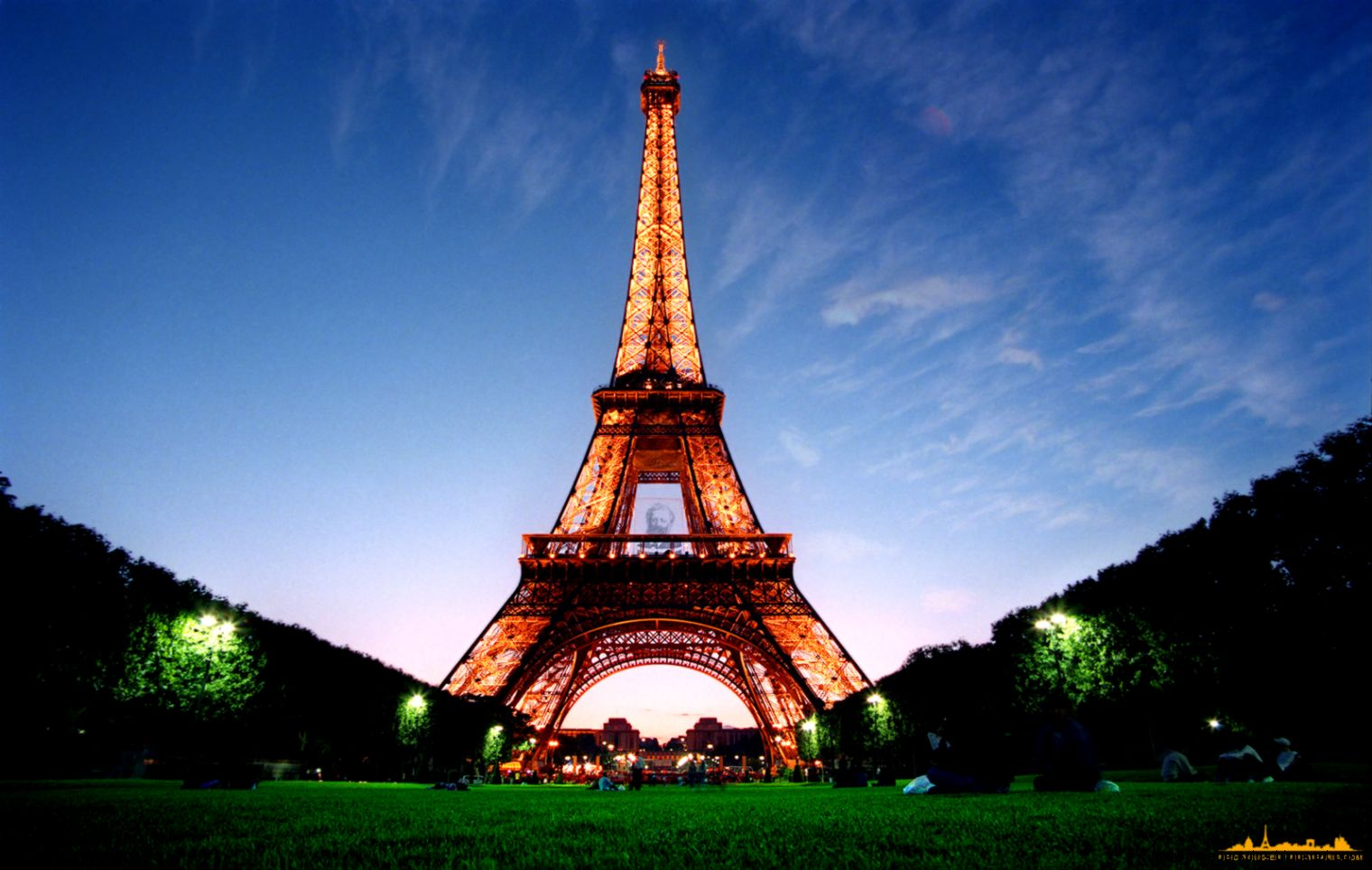 eiffel tower wallpaper 1 Awesome Wallpapers  Wallpaper Joo