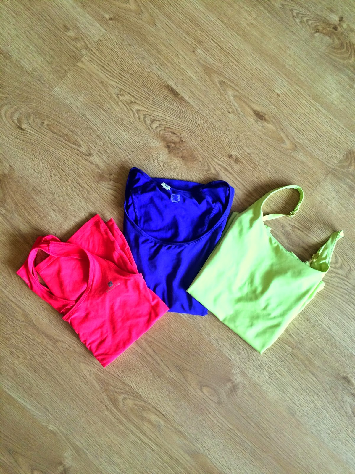 kolorowe t-shirty do fitness