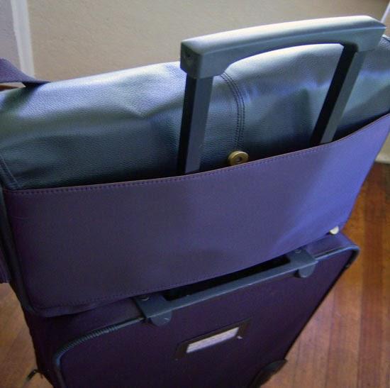 "Jill-e Designs Sasha 15"" Laptop Bag luggage sleeve working"