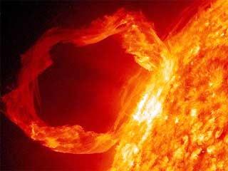 Ledakan Besar Matahari Menuju Bumi [ www.BlogApaAja.com ]
