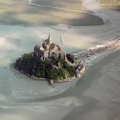 Survol du Mont St Michel