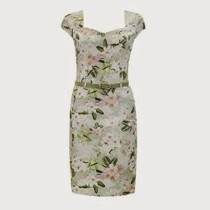"""Com o início da primavera, a moda """"floresce"""" junto com as árvores."""