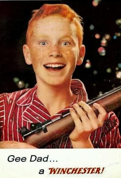 Propagandas das armas Winchester nos anos 50. Sugestão de presente de Natal para crianças.