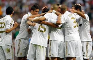 Real Madrid toma ventaja sobre el Barcelona