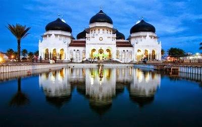 Masjid Raya Baiturrahman, Indonesia