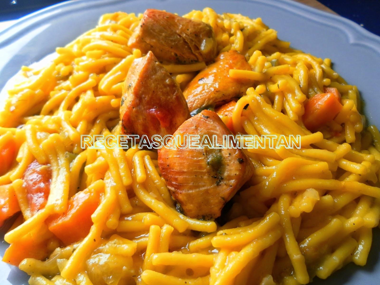 Fideos con pollo en olla express for Cocinar con olla express
