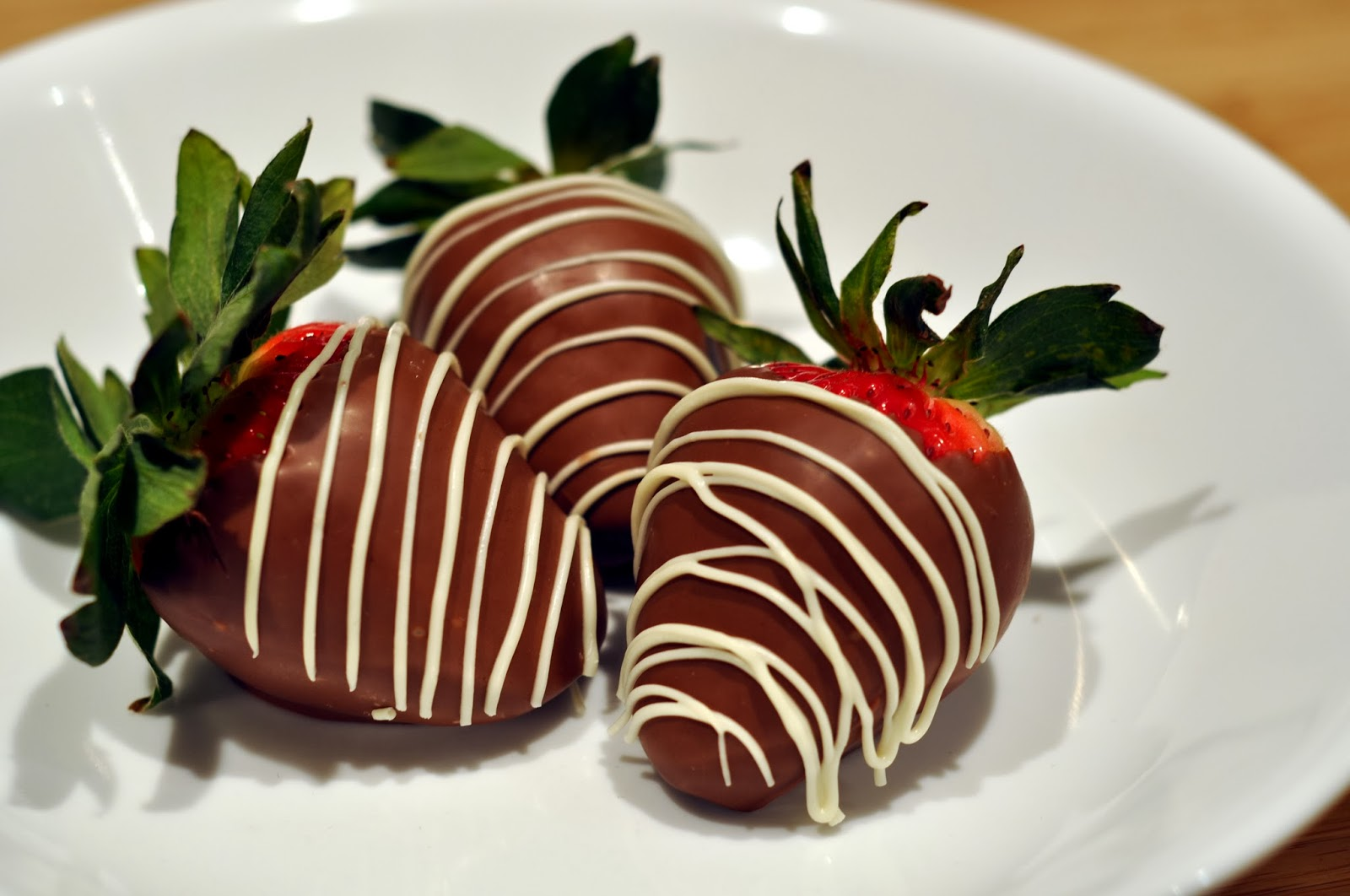 Chocolate Covered Strawberries! Valentines Day Recipe!