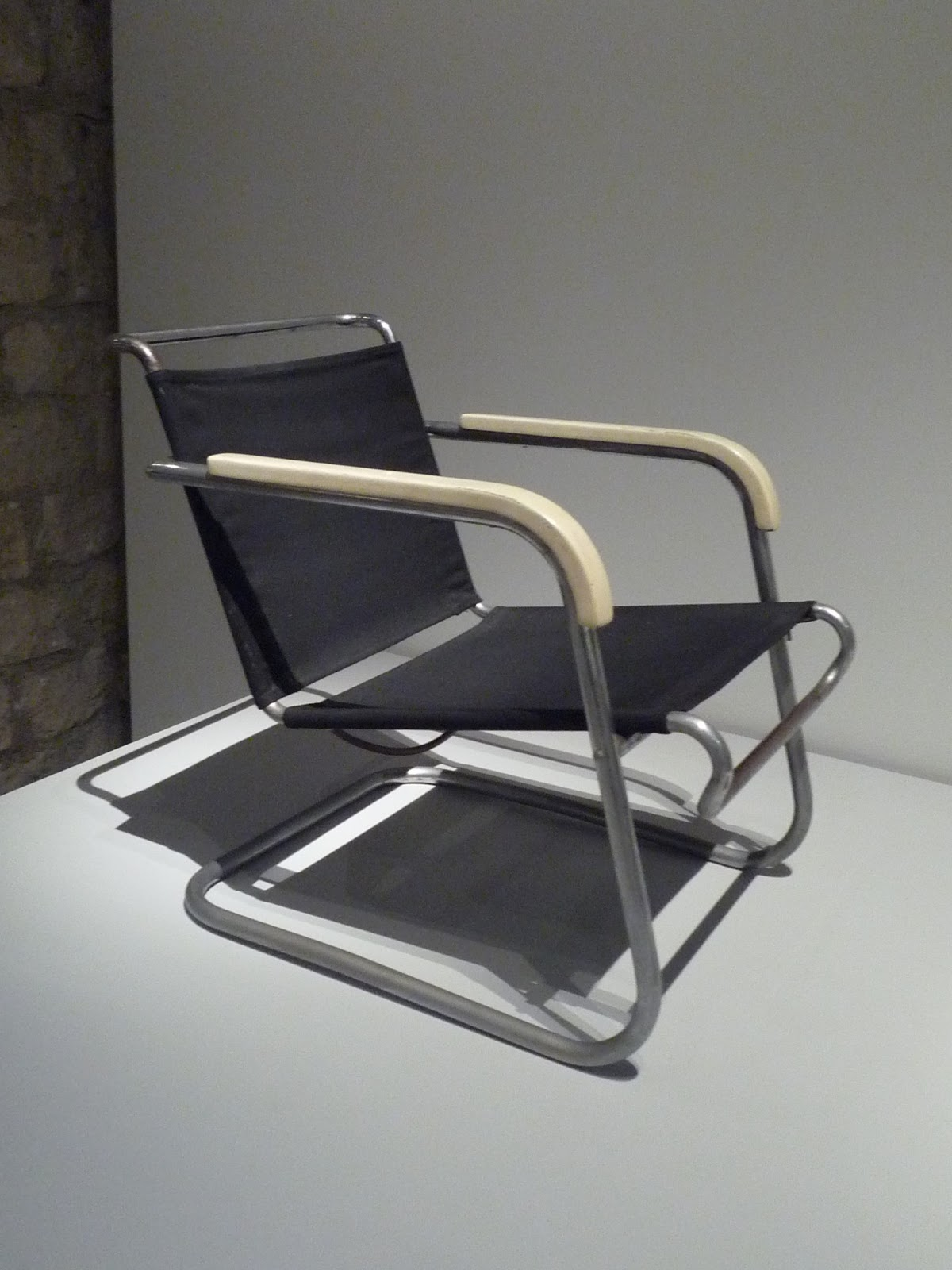 marcel breuer a la cite de l 39 architecture et du patrimoine par hayley paperblog. Black Bedroom Furniture Sets. Home Design Ideas