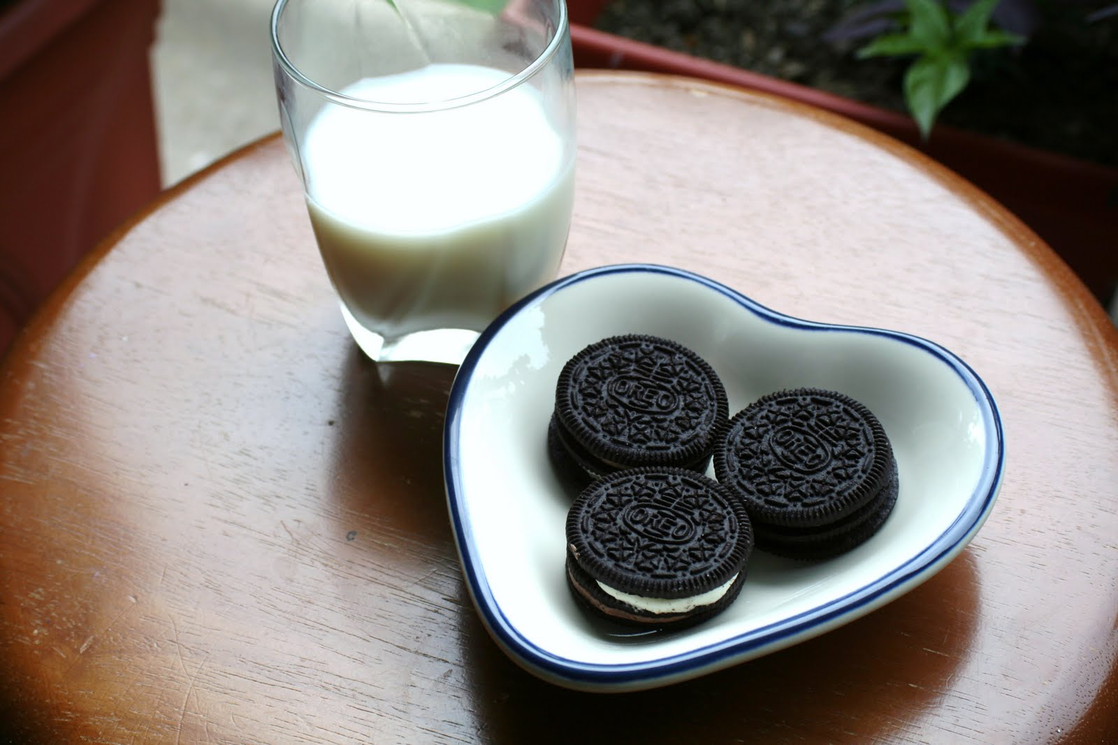milk and oreo s 