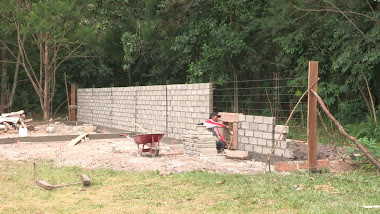 Construction of the enclosure wall