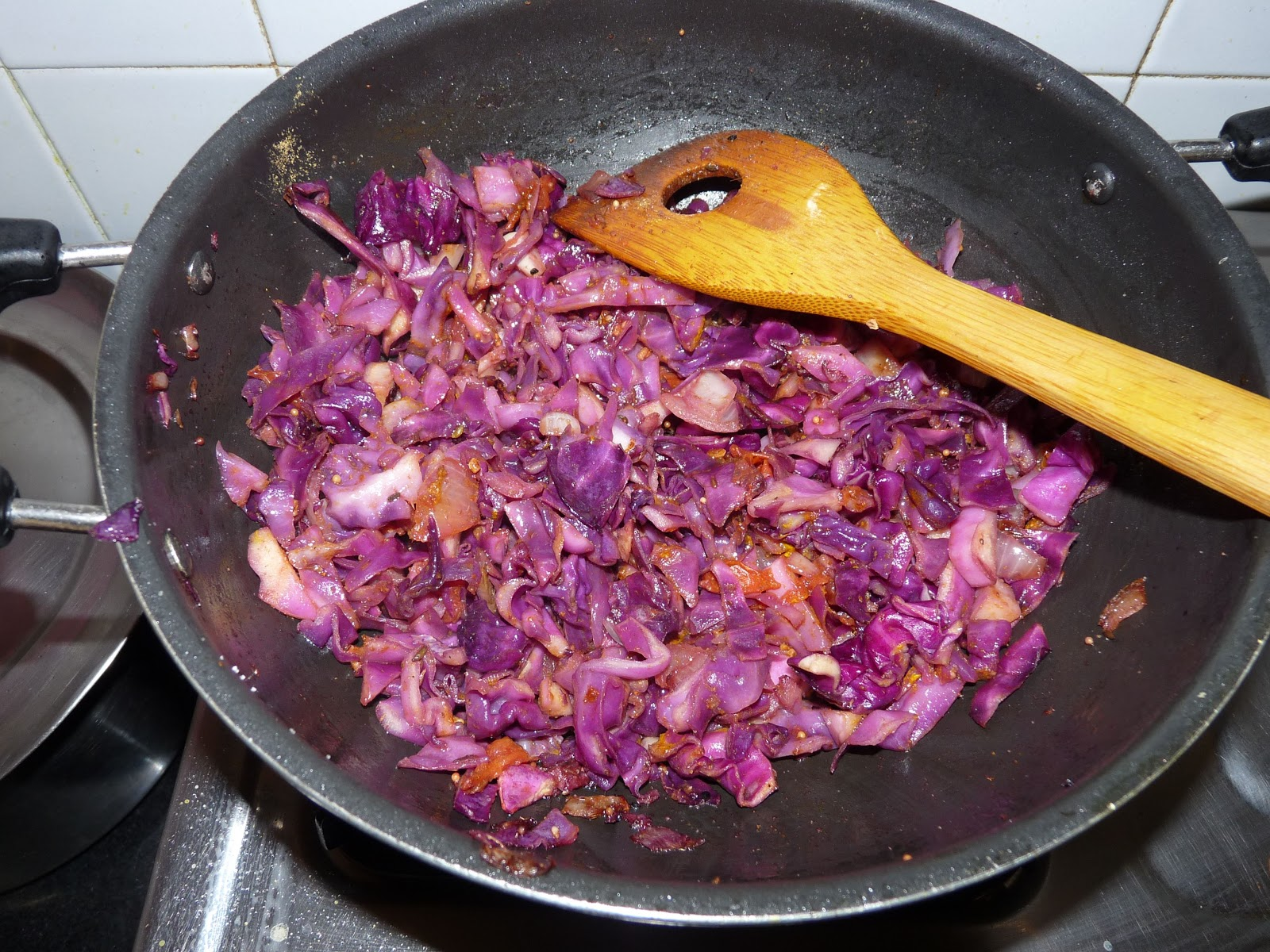 Purple cabbage stir fry