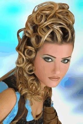 Peinados de Mujer con Cabello Ondulado Largo, parte 2