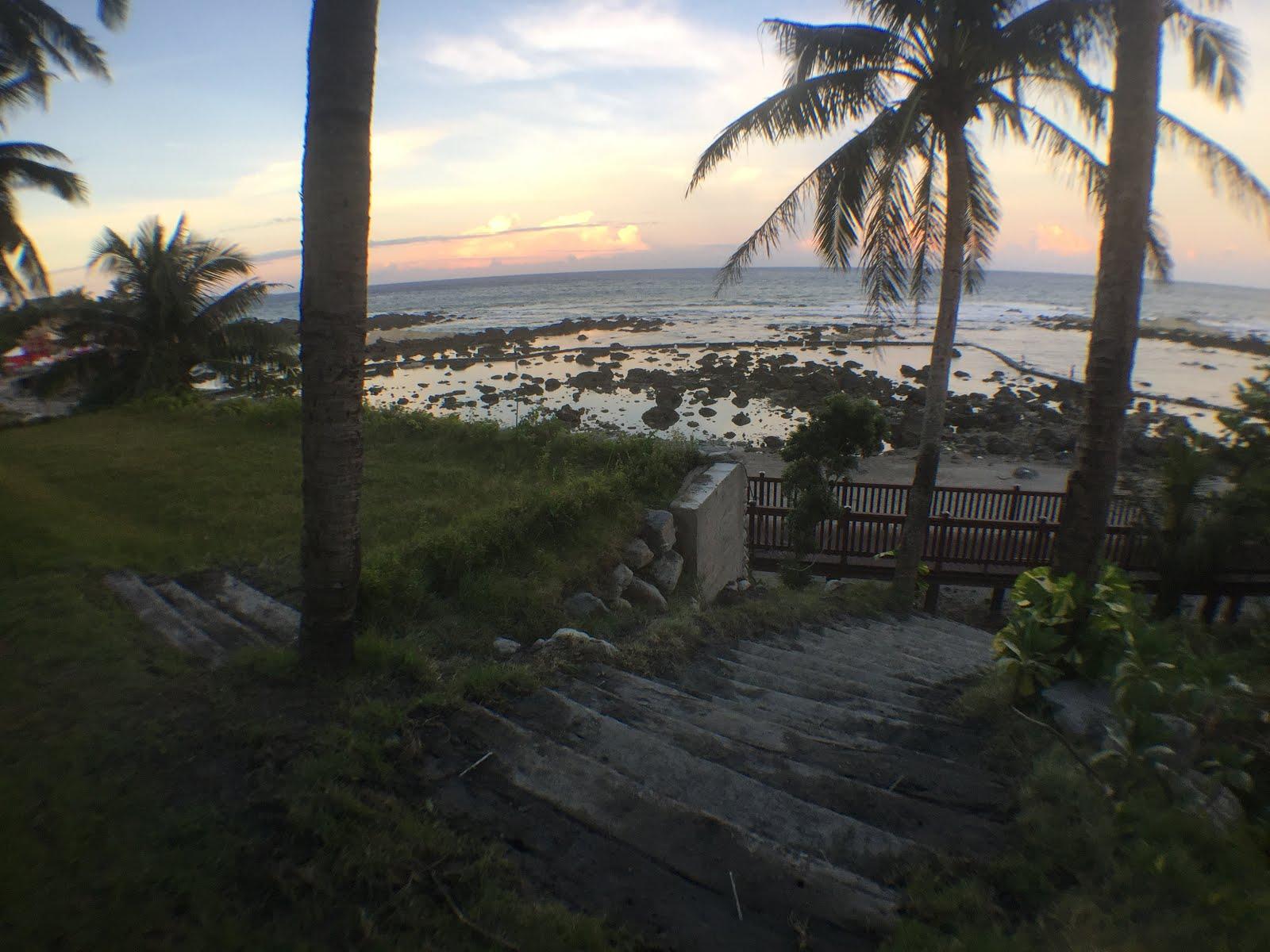 民宿木棧道銜接縣府的海岸步道