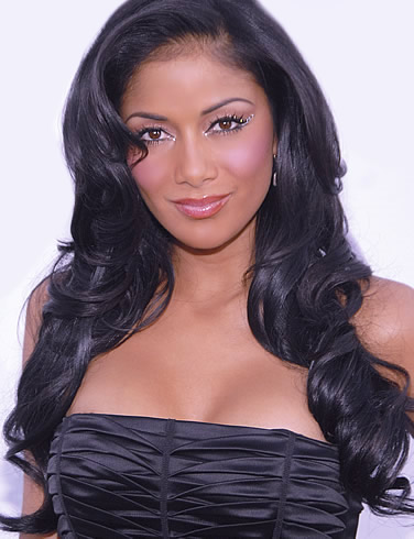 nicole_scherzinger_cute_wallpaper