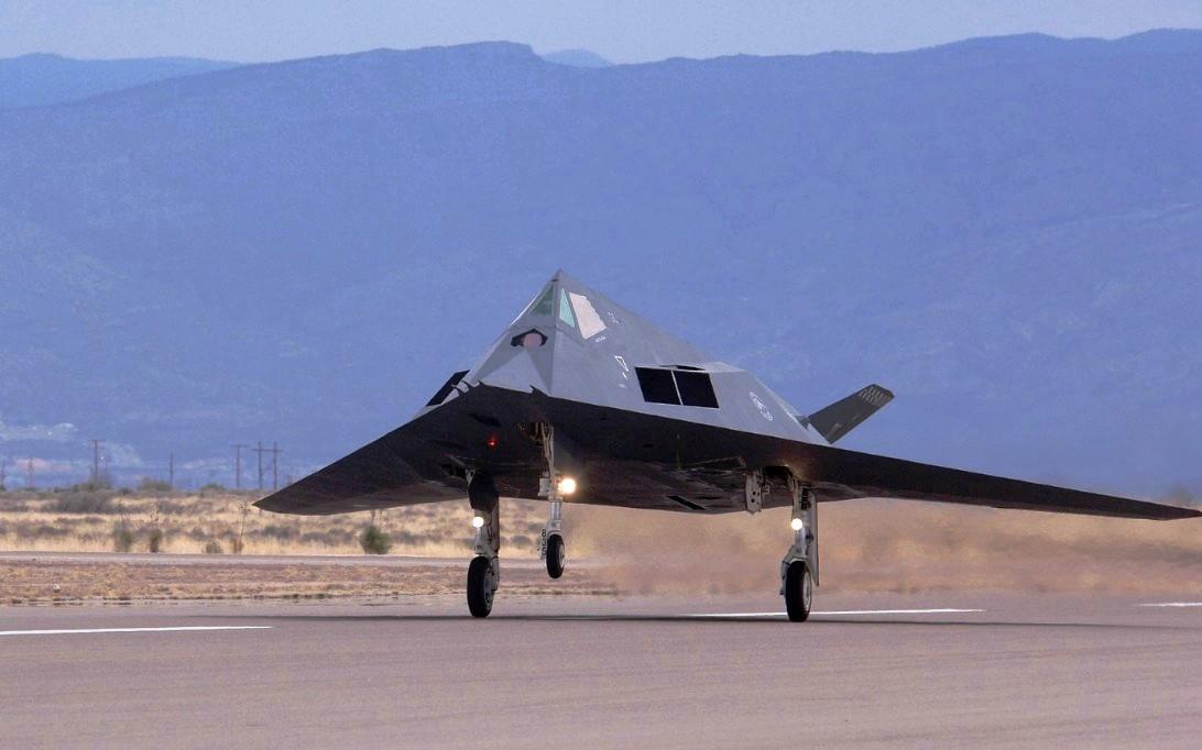 F-117 Nighthawk Stealth fighter jet Wallpaper 2