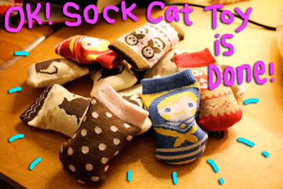 cat-sock-toy-03
