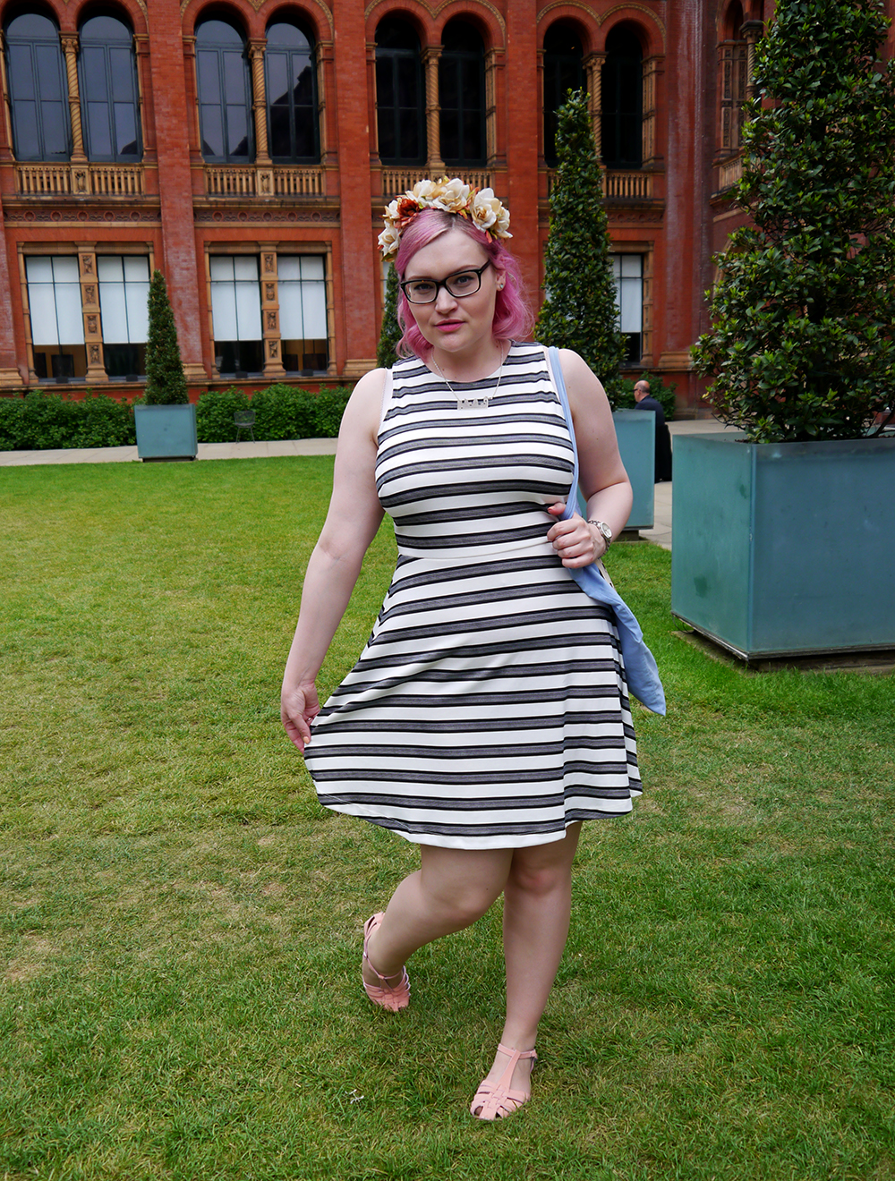 V&A, #scotstreetstyle, what to wear, style, London, street style, bloggers, Scottish, pink hair