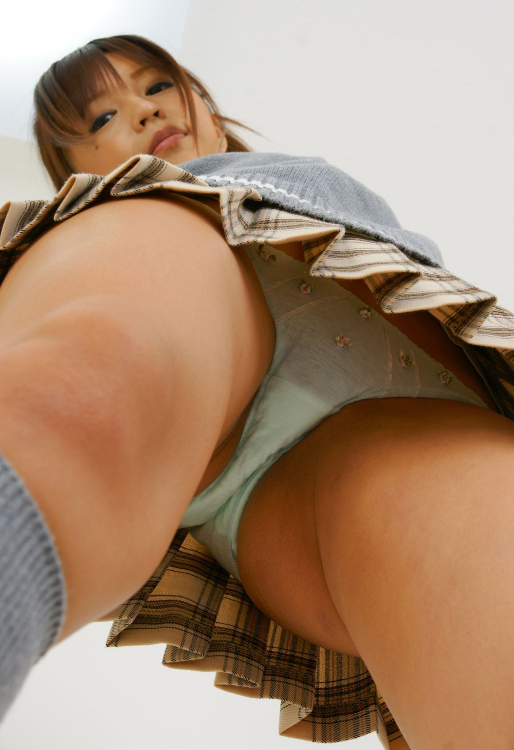 Upskirt spanking views