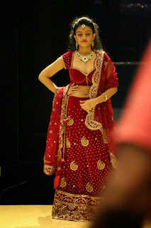 Actress Nikitha Narayan Latest  Pictures in Designer Dress at Fashionology Fashion Show 2013 0059.jpg