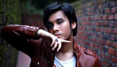 Awi Rafael - Bila Aku Jatuh Cinta MP3