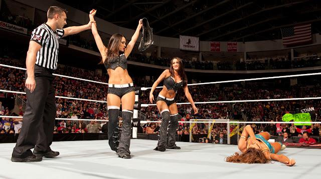 wwe women wrestling-wrestling women wwe